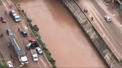 Governador sobrevoa áreas alagadas e anuncia medidas emergenciais