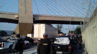 Polícia Militar prende homem que transportava 31 quilos de cocaína na Marginal Tietê