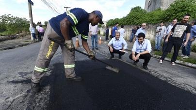Guti inicia força-tarefa que prevê acabar com 14 mil buracos em 100 dias