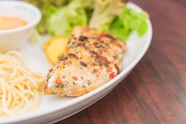 Peixes tradicionais na Semana Santa chegam mais caros aos supermercados