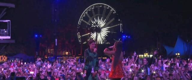 Justin Bieber participa de surpresa em show de Ariana Grande