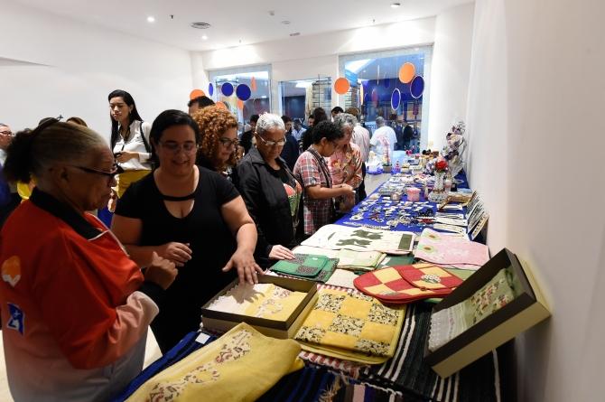 Feira da Economia Solidária ganha espaço no Internacional Shopping