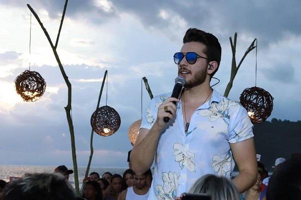 Gustavo Mioto se apresenta em Guarulhos no domingo