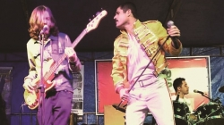Nosso Clube Vila Galvão promove 'Festa Revival' neste sábado com cover do Queen