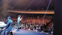 Padre Fábio de Melo traz show 'O amor me elegeu' para Guarulhos