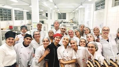Alunos de Turismo da UNG participam de 'Festival Gastronômico'