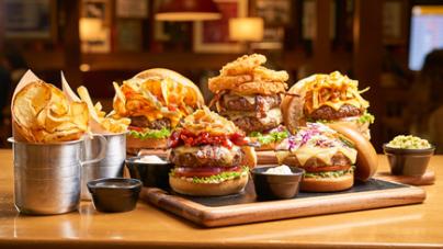 TGI Friday's comemora o Dia Mundial do Hambúrguer com cinco sanduíches inéditos
