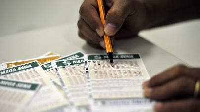 Mega-Sena acumula e deve pagar R$ 140 milhões neste sábado