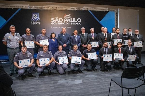 Governo paulista homenageia policiais; representes de Guarulhos estão na lista