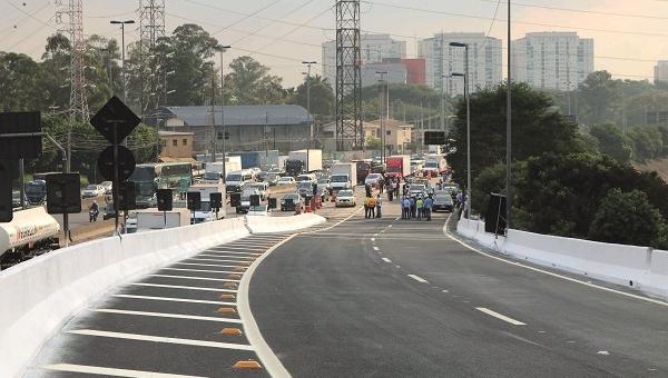 Interditado desde janeiro, acesso da Marginal Tietê à Via Dutra é reaberto