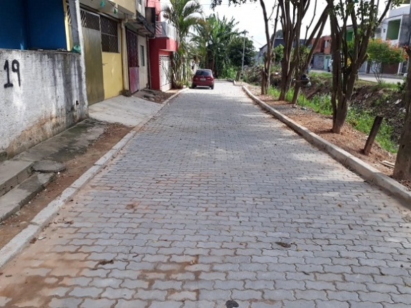 Prefeitura pavimenta 6,4 mil m²  de via