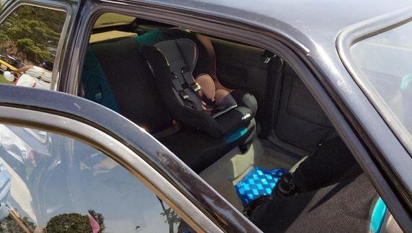 Uso de cadeirinhas para crianças é obrigatório no transporte veicular