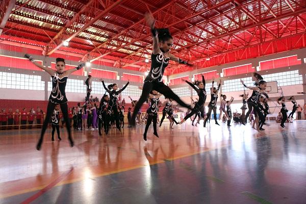 CEU Parque São Miguel oferece oficinas gratuitas de circo e acrobática