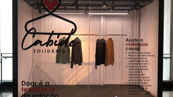 Shopping Maia promove ação 'Cabide Solidário' com doações de roupas
