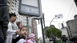 Frio deve diminuir até domingo em SP; veja previsão do tempo