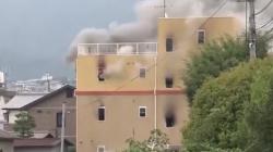 Homem ateia fogo em estúdio de animação em Quioto e mata ao menos 33 pessoas