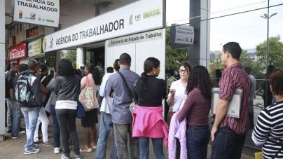 Mais de 3,3 milhões de pessoas buscam emprego há dois anos ou mais, diz IBGE