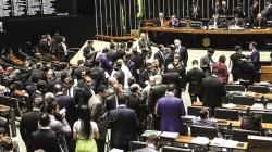 Plenário da Câmara autoriza trabalho em domingos com folga a cada 4 semanas
