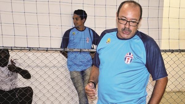 Guarulhense realiza avaliação no futebol de campo