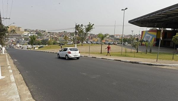 Prefeitura finaliza pavimentação em trecho da Estrada Caminho Velho