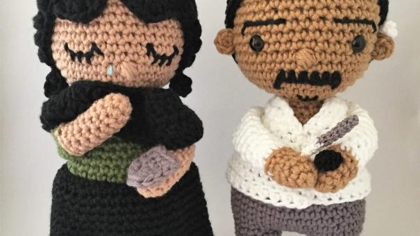 Pinacoteca transforma obras icônicas de seu acervo em bonecos de crochê
