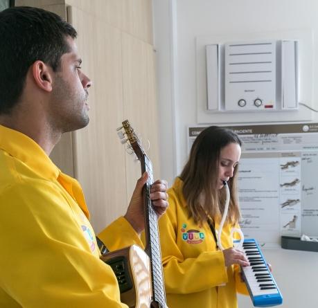 Ação cultural leva diversão para crianças e adolescentes internados em hospital na Zona Leste